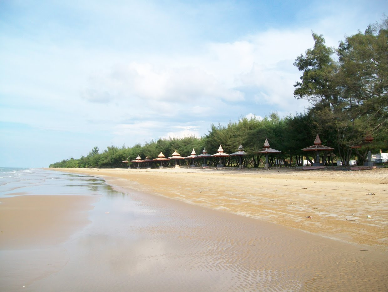 Pantai Wisata Lombang-Lombang