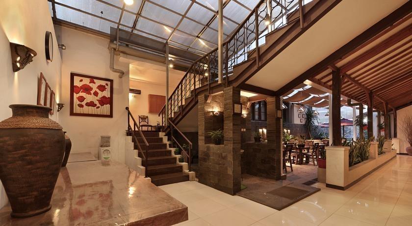 Hotel Riau Bandung - corridor