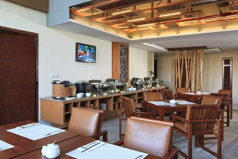 Cipaganti Legian Hotel Bali - Buffet Bar