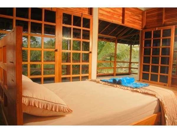 Paddy City Resort Malang - Cottage samping kolam renang