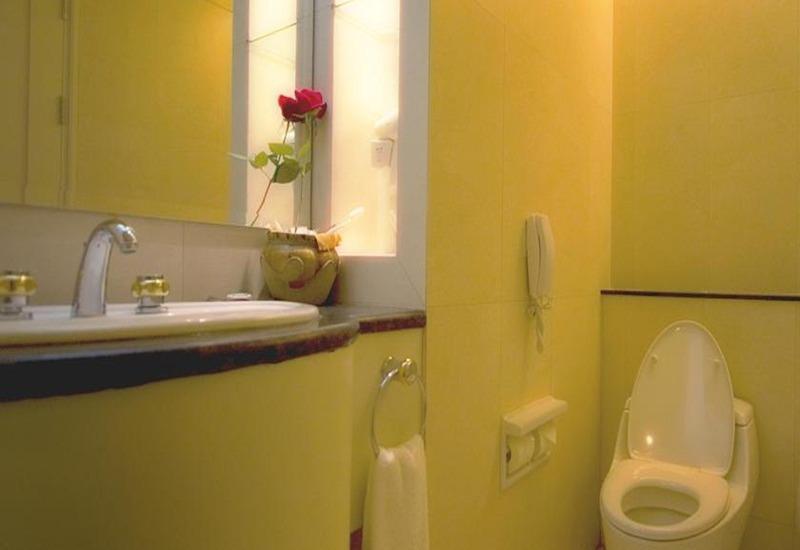 Mason Pine Hotel Bandung - Kamar mandi