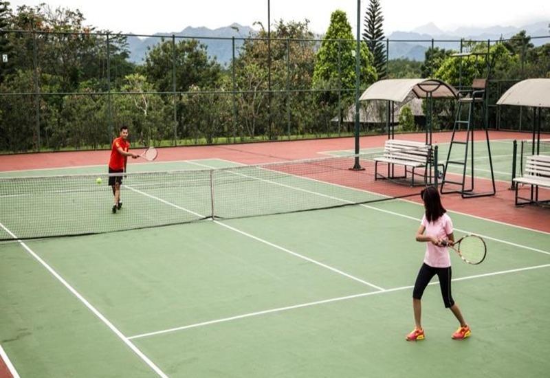 Mason Pine Hotel Bandung - Tennis court