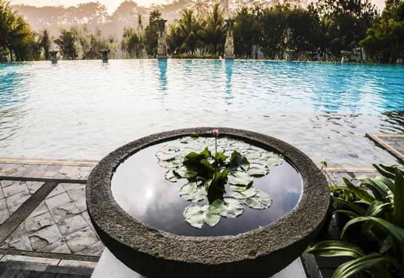 Mason Pine Hotel Bandung - Pool