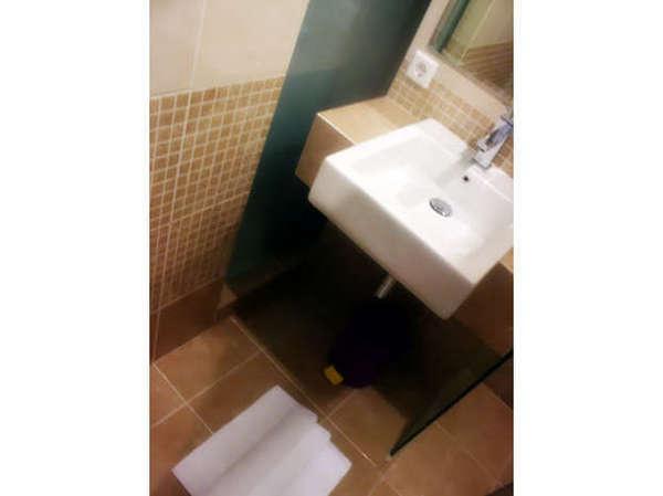 Andelir Hotel Bandung - Royal Bathroom