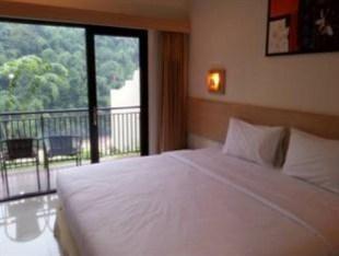 DRiam Resort Ciwidey Bandung - Deluxe River View With Breakfast Regular Plan