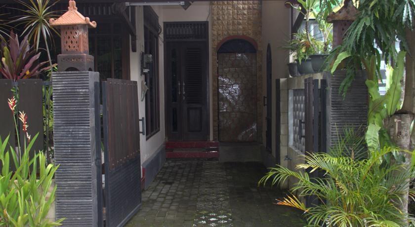 Pringgodani Yogyakarta - Front View