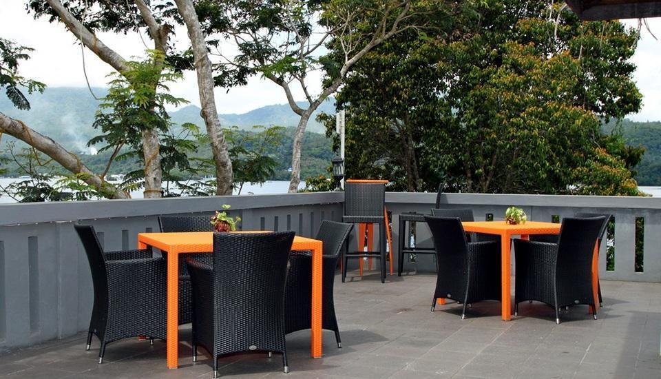 Bastianos Lembeh Manado - Bar