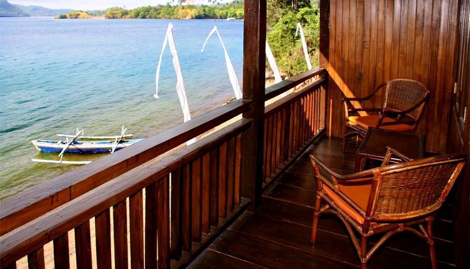 Bastianos Lembeh Manado - Balcony