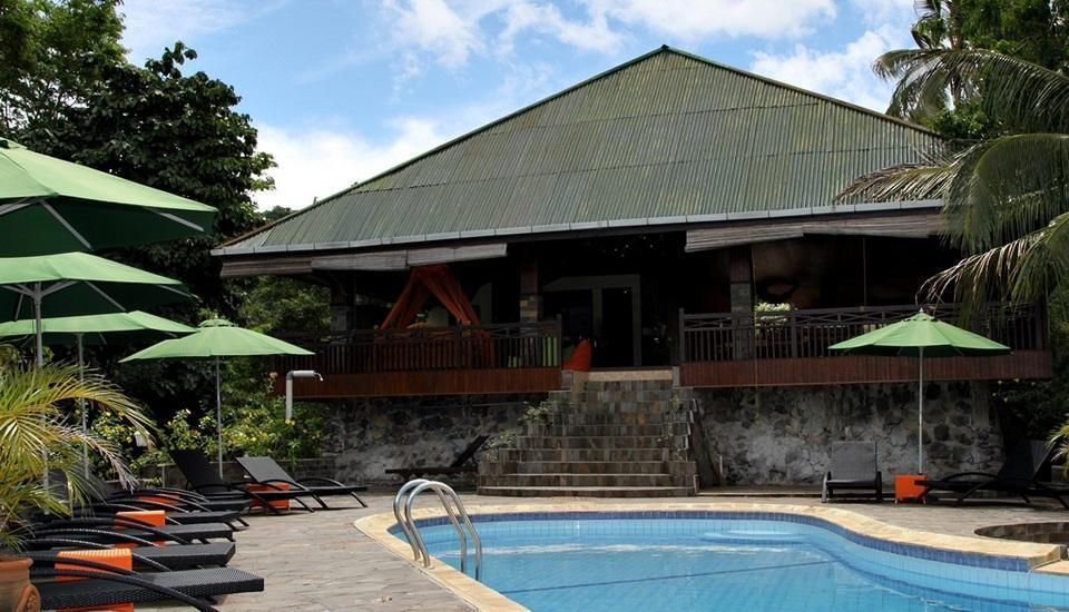 Bastianos Lembeh Manado - Swimming Pool