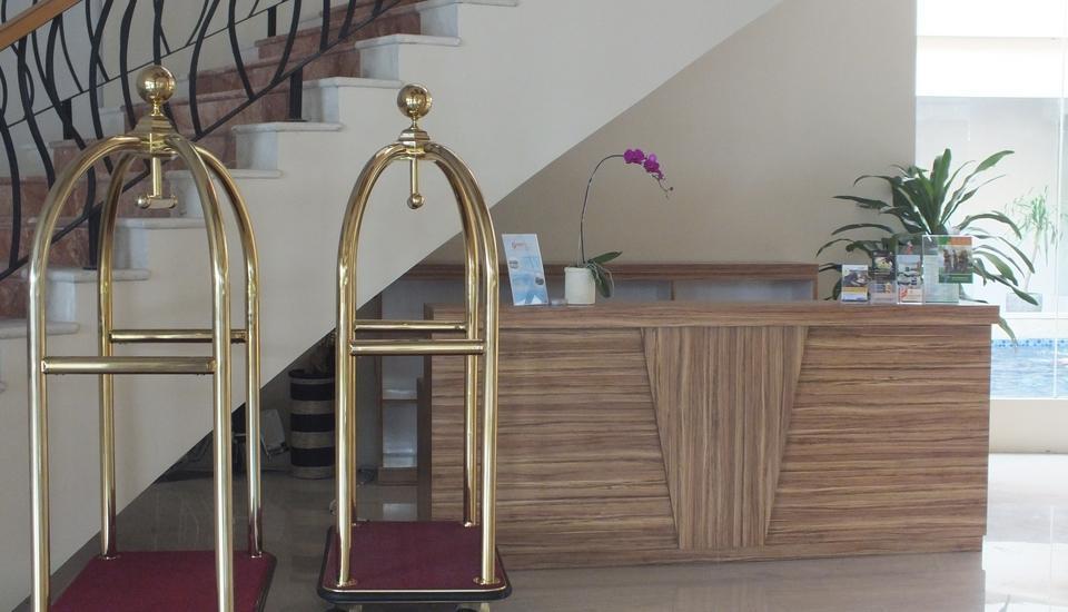 Cavinton Hotel Yogyakarta - Concierge