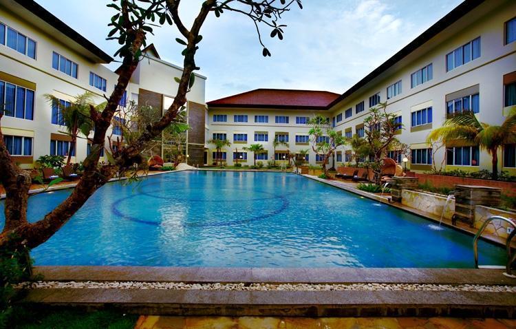 Aston Tanjung Pinang - Kolam Renang
