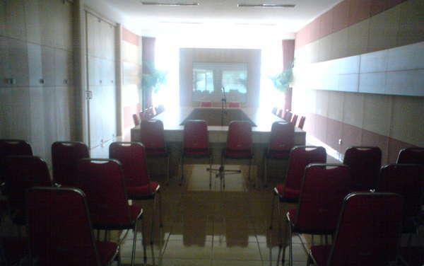Maple House Lembang - Meeting Room
