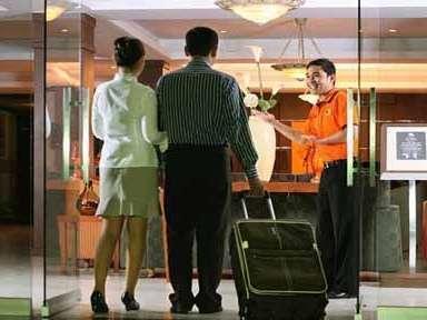 The Aliga Hotel Padang - Entrance