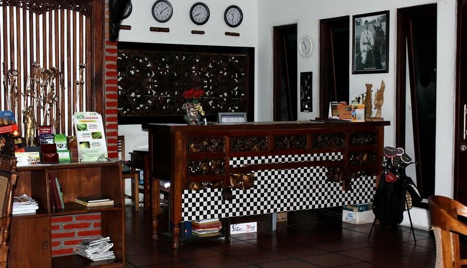Rumah Palagan Yogyakarta - Receptionist