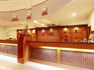 Plaza Hotel Tegal - Receptionist