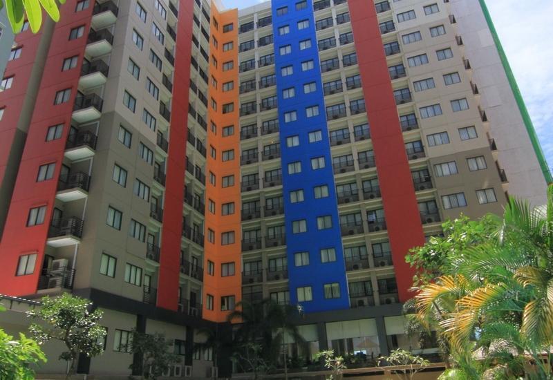 Paragon BIZ Hotel Tangerang - Poolside