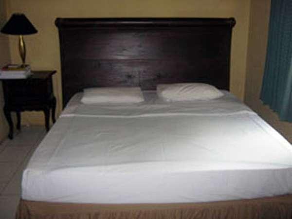 Joglo Putu Inten Jepara - Begonia Bedroom