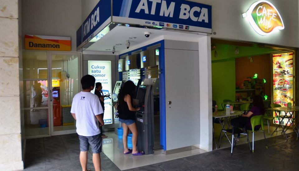The Square Surabaya - ATM Center