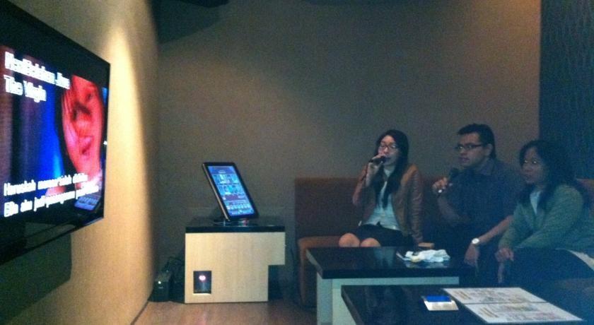 The Square Surabaya - Karaoke1