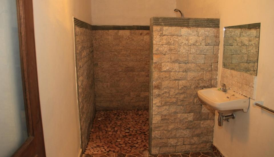 Balangan Cottage Bali - bathroom bungalow