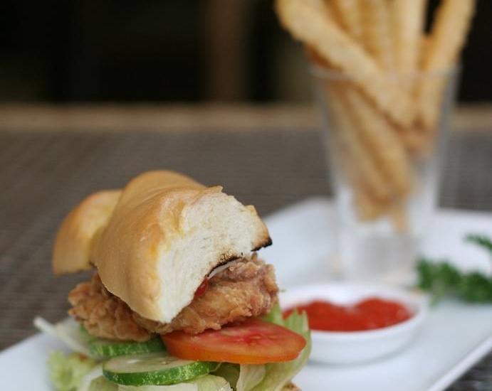 Hotel Arjuna Yogyakarta - Food