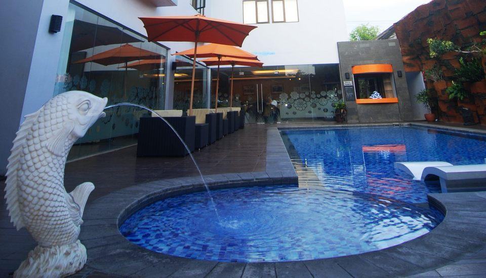 Hotel Arjuna Yogyakarta - Swimming Pool