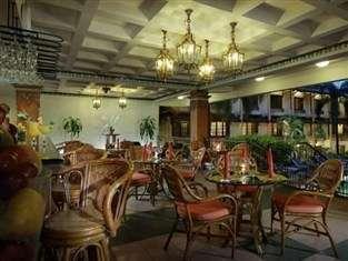 Yogyakarta Plaza Hotel Yogyakarta - Restoran Colombo