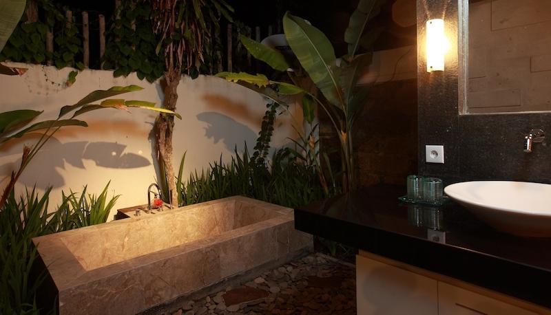 Taman Harum Cottages Bali - Sui8te - Bathtub
