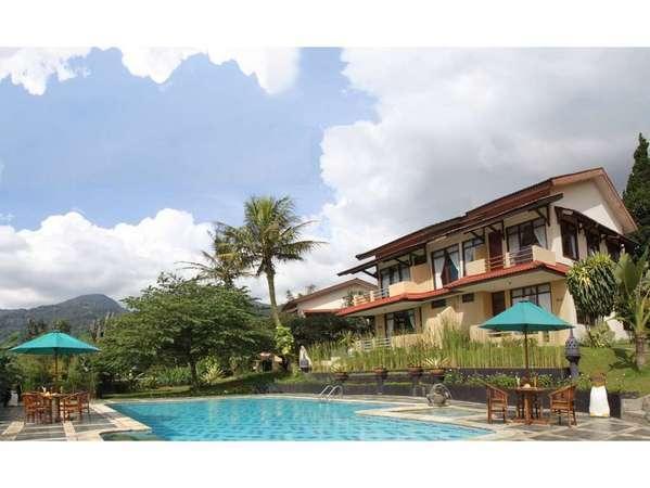 The Jayakarta Cisarua Bogor - Pool & Building