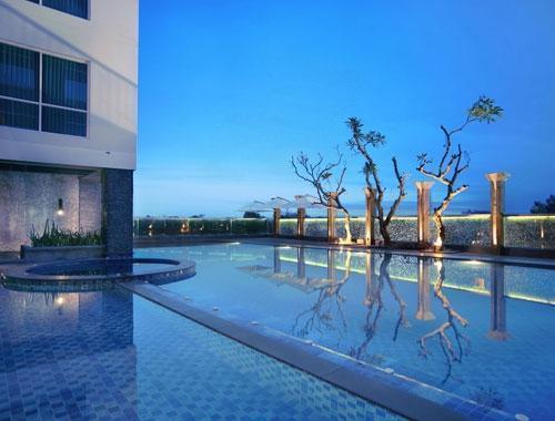 Aston Jember Hotel Jember - Swimming Pool