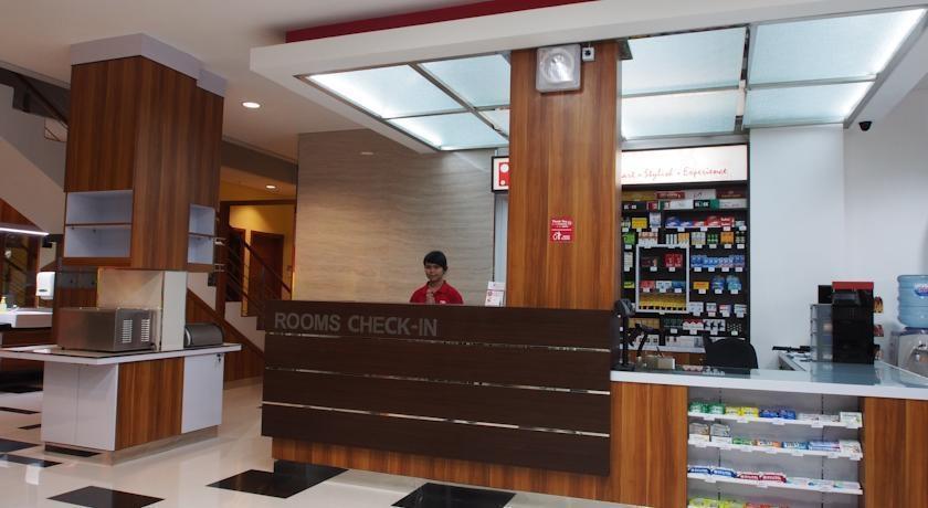 Hotel Bed andBreakfast Surabaya - Reception