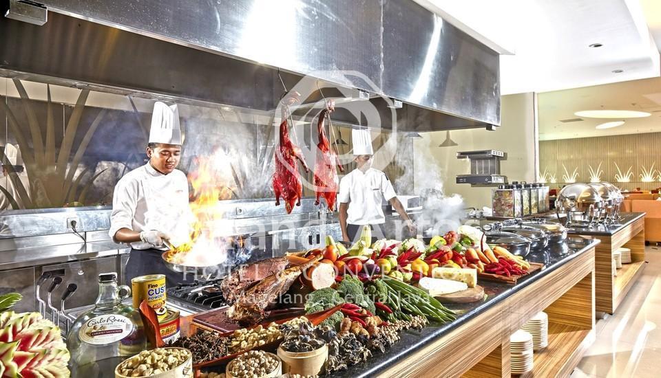 Hotel Grand Artos Magelang - Pandan Coffee Shop Kitchen