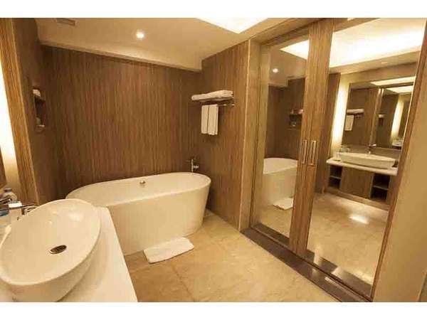 Bintang Kuta Hotel Bali - Bath Room Suite
