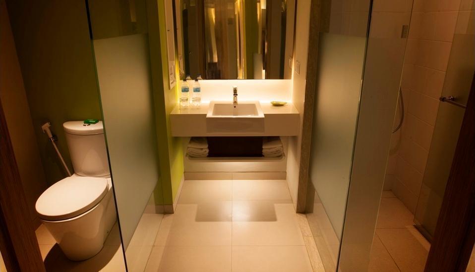 Bintang Kuta Hotel Bali - Kamar mandi