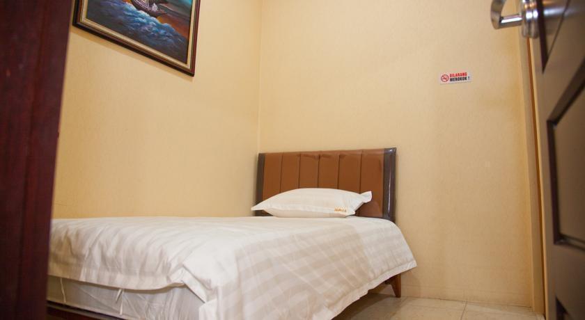 Rumah Shinta Jakarta - Bedroom