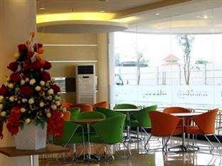 Hotel Halogen Surabaya - Restaurant