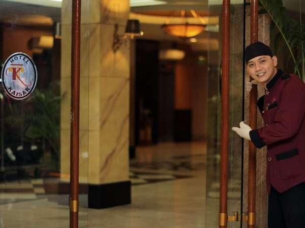 Hotel Kaisar Jakarta - Pintu Masuk