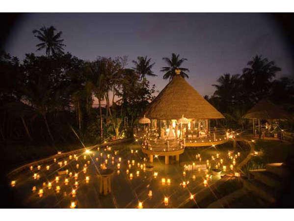 Puri Taman Sari Bali - Night At The Bale Kambang
