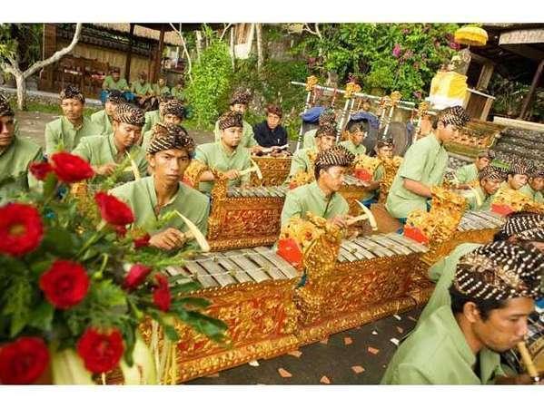 Puri Taman Sari Bali - Gamelan - Balinese Traditional Musics