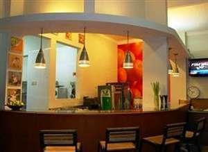 Roemah Oma Guest House Yogyakarta - Garden Cafe