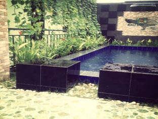 Bali Contour Bali - kolam renang