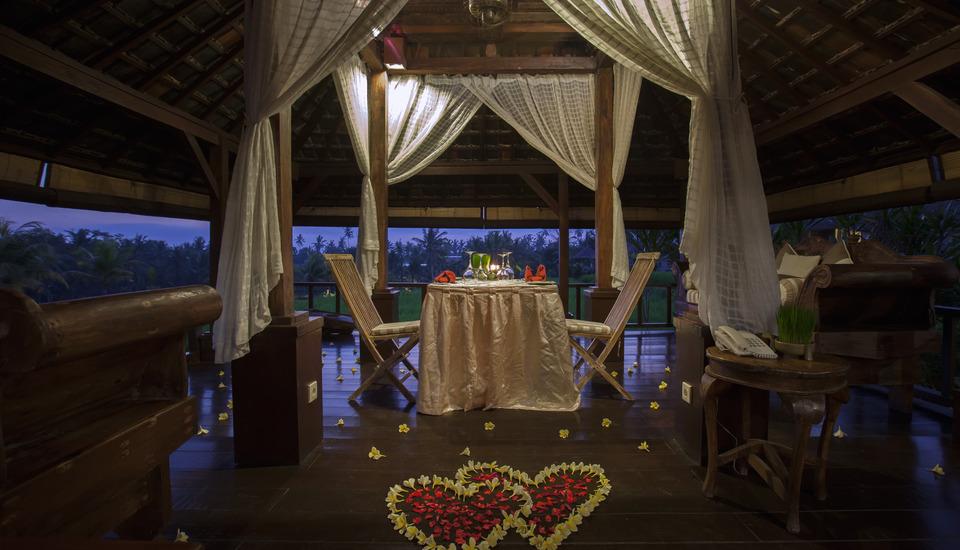 Wapa di Ume Bali - Romantic Candle Light Dinner