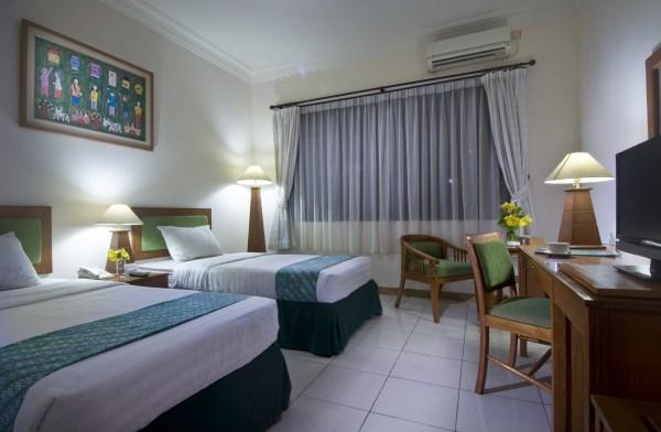 Griya Sentana Hotel Yogyakarta - Superior Room with twin bed,LED tv cable,free wifi,coffee & tea maker