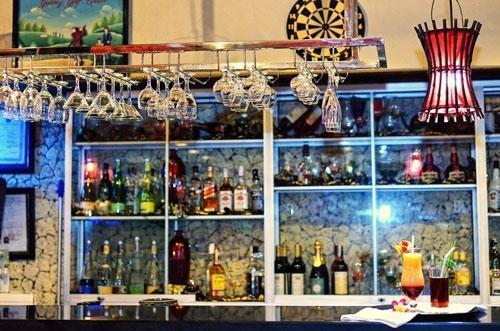 Wina Holiday Villa Bali - Bar & Lounge