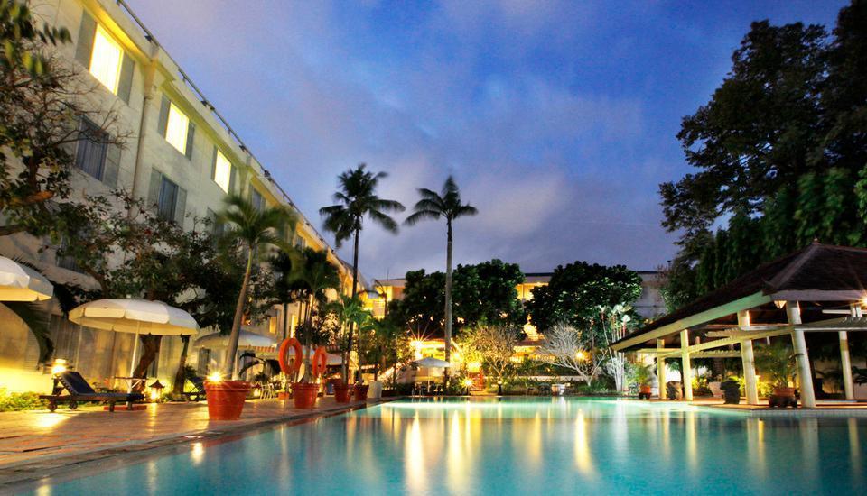 Hotel New Saphir Yogyakarta - Swimming Pool