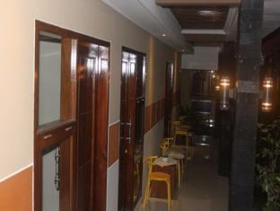 Ndalem Pundhi Guest House Yogyakarta - Corridor