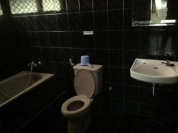 Aquarius Orange Resort Bogor - Bathroom