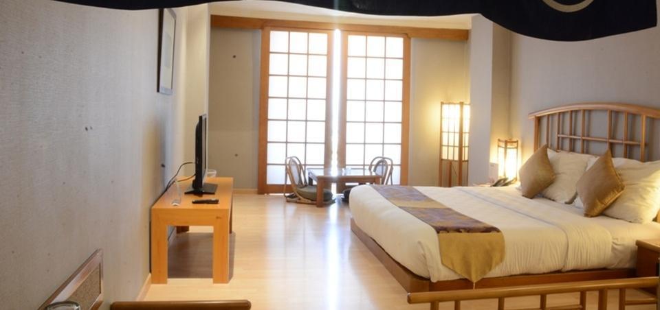 Garden Palace Surabaya - Deluxe Theme Room Domestic Rate