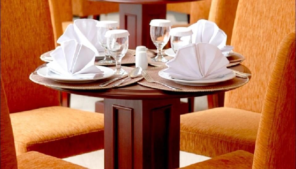 Blue Sky Pandurata Jakarta - Restaurant