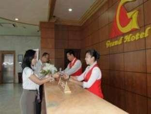 Grand Hotel Jambi Jambi - Receptionist